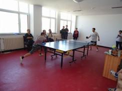 举办乒乓球比赛,增强医护凝聚力